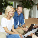 賃貸契約を結びたい不動産の営業担当者とのかけひきの仕方