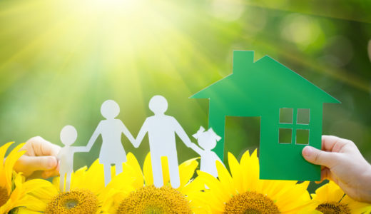 8月の引越し費用は転校や転勤を伴う家族での引越しで相場より高め
